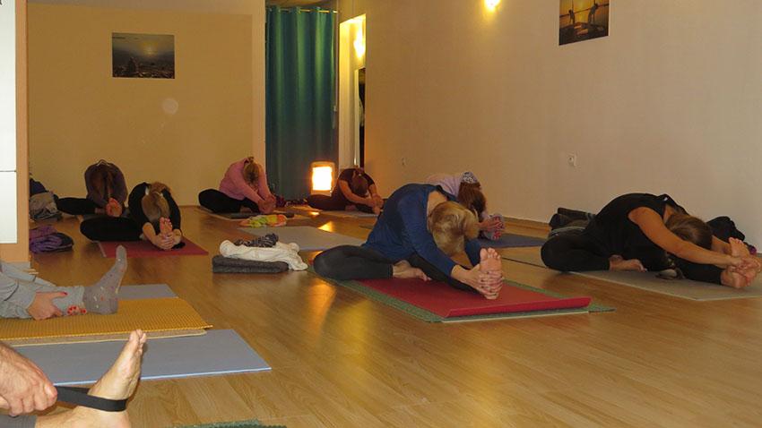 vecernja-hatha-joga-naslovna