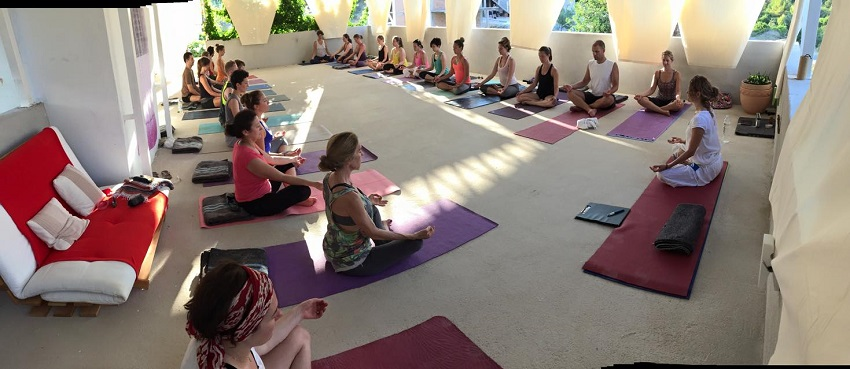 Divine summer yoga retreat - naslov