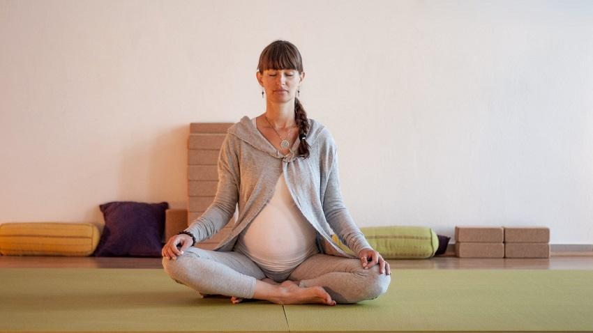 Olakšan porod uz jogu