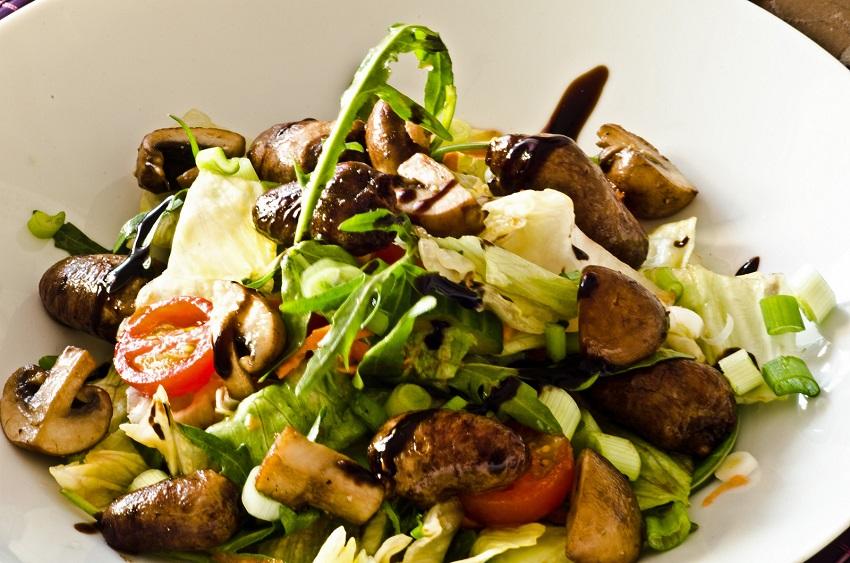 salata-s-gljivama